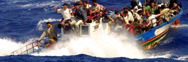 Další lodě s uprchlíky se potápí, EU svolala mimořádný summit