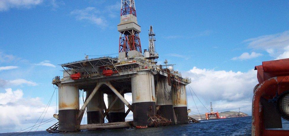 Těžba ropy, ilustrační foto