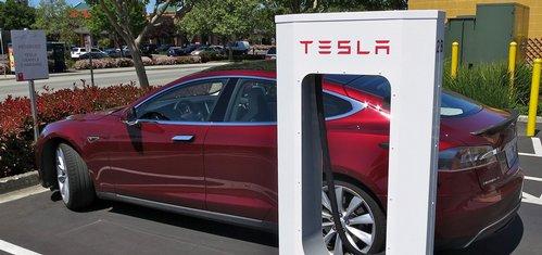 Tesla plánuje stavbu továrny na baterie v Německu