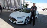 Musk prý plánoval prodej automobilky Tesla do rukou Googlu