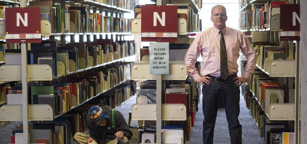 Knihovník Jeffrey Beall, který po celém světě odhaluje byznysový kolotoč s nekvalitní vědou a vzděláváním.