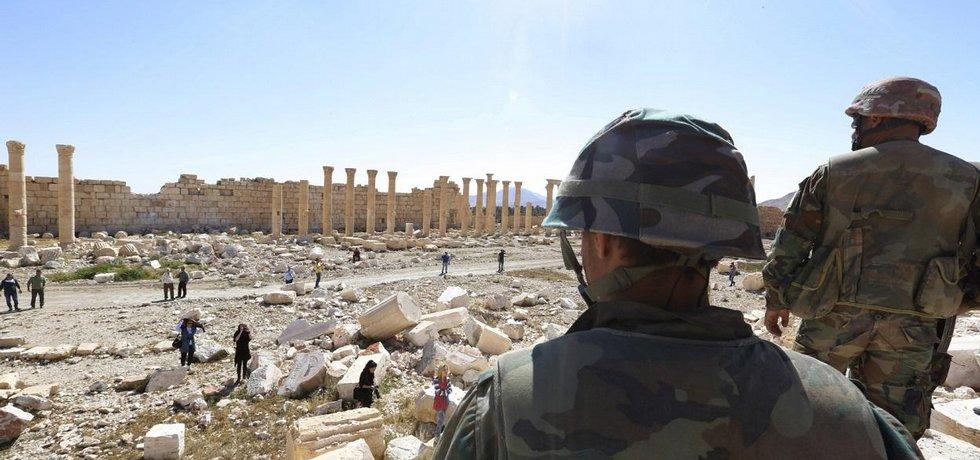 Vojáci v syrské Palmýře