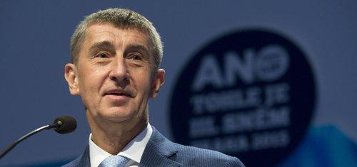 Babiš zůstává předsedou ANO. Konkurenci neměl ani Faltýnek
