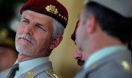 Kvůli sporům se Stropnickým hrozí generál Pavel odchodem z funkce