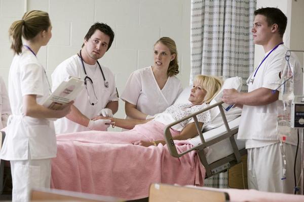 lékaři, sestry, pokoj, pacientka, nemocnice