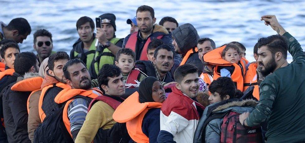 Ilustrační foto migrantů na lodi