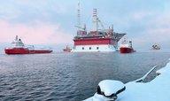 Levná ropa a sankce zpomalují ruskou ekonomiku, varují ministři
