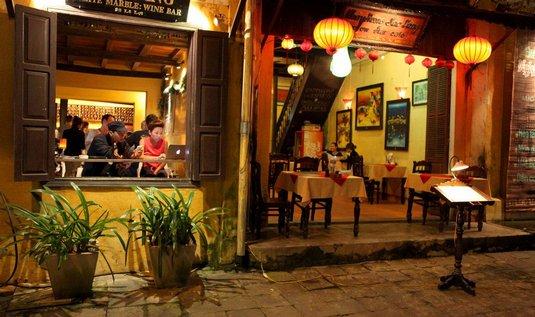 Nejlepší doba. Ideálním okamžikem k návštěvě Hoi Anu je především úplněk, kdy se zde koná legendární hoianská noc a celé město ozáří záplava barevných lampionů