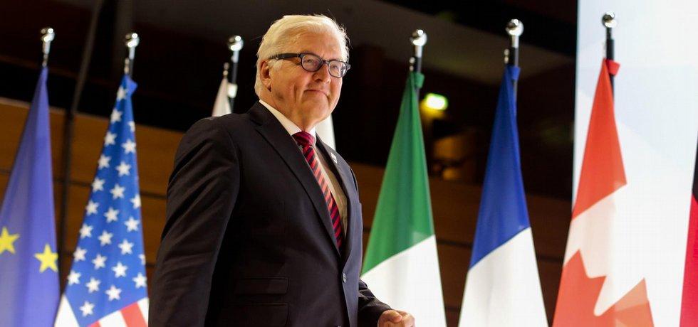 Šéf německé diplomacie Frank-Walter Steinmeier na summitu ministrů zahraničí zemí skupiny G7 v Lübecku