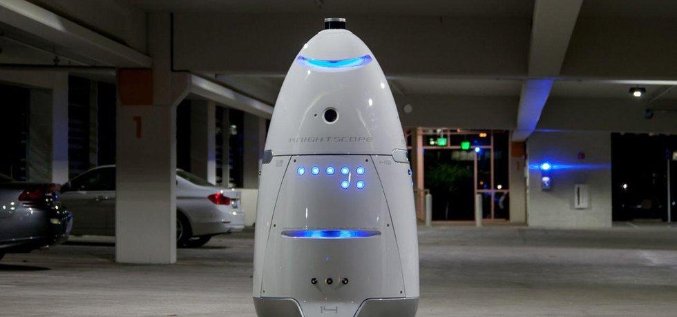 Bezpečnostní bot K5 kalifornského start-upu Knightscope