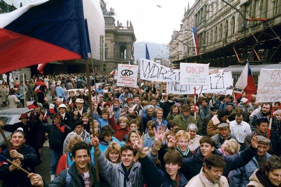 Zeměměřiči a rok 1989
