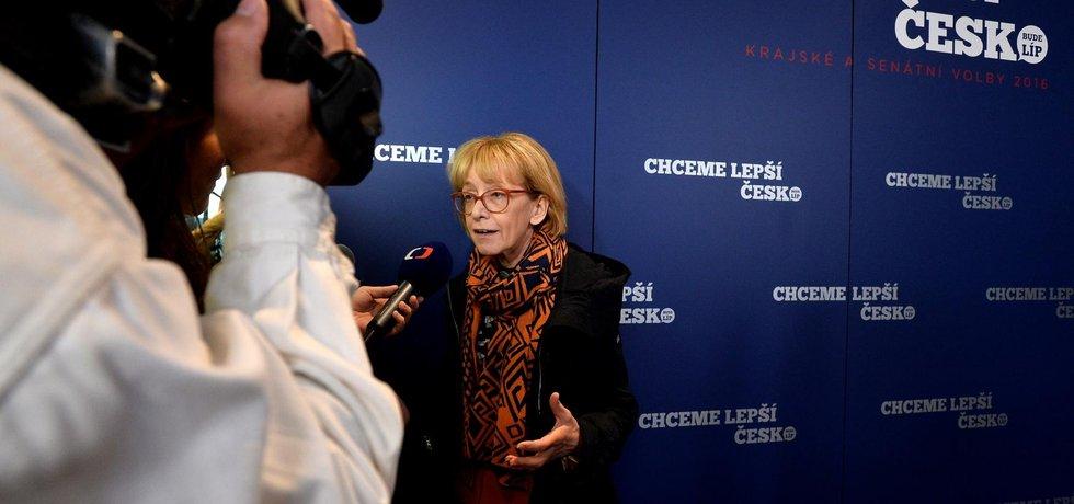 Exministryně spravedlnosti Helena Válková (ANO) postoupila do druhého kola senátních voleb v Praze 11. V něm ji vyzve Ladislav Kos (KDUSZ+HPP11+Pir).