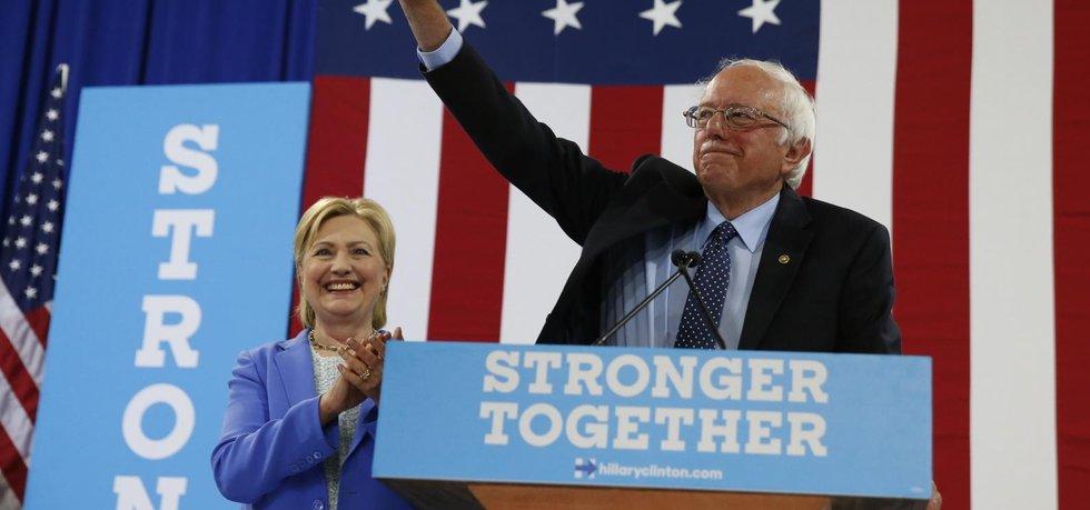 Bernie Sanders a Hillary Clintonová (Zdroj: čtk)