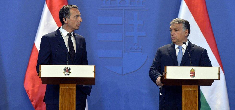 Maďarský premiér Viktor Orbán společně s rakouským kancléřem Christianem Kernem během tiskové konference