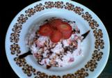 Sladká rýže s jahodami