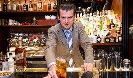 Barman Erik Lorincz