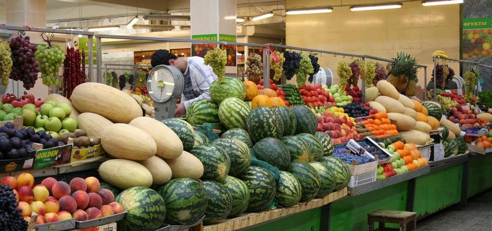 Trh v Petrohradu. Fotografie licencovaná pod CC BY 2.0