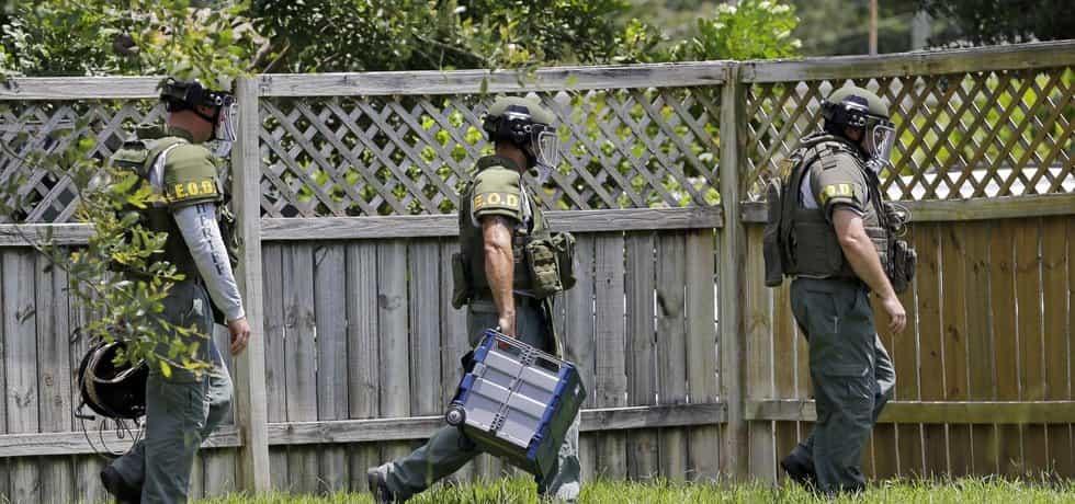 Americká policie hledá bomby v hotelovém komplexu spjatém s masakrem v Orlandu