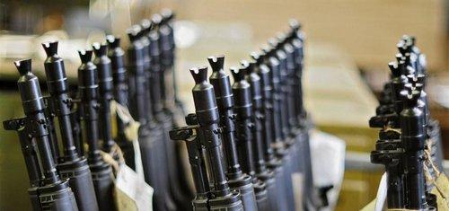 Zbraně použité při útocích ve Francii pocházely ze Slovenska