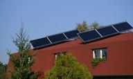 Studie: Vládní podpora zelené energie je nefér, pomáhá bohatým