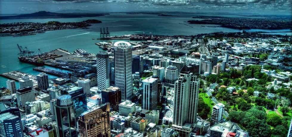 Pohled ze Sky Tower v Aucklandu (Nový Zéland)