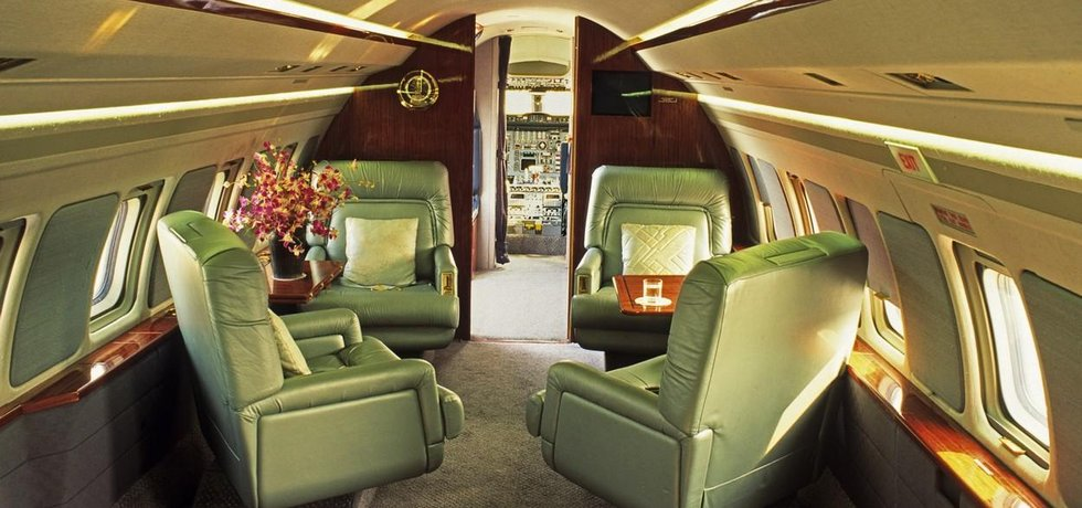 Interiér soukromého letadla - ilustrační foto