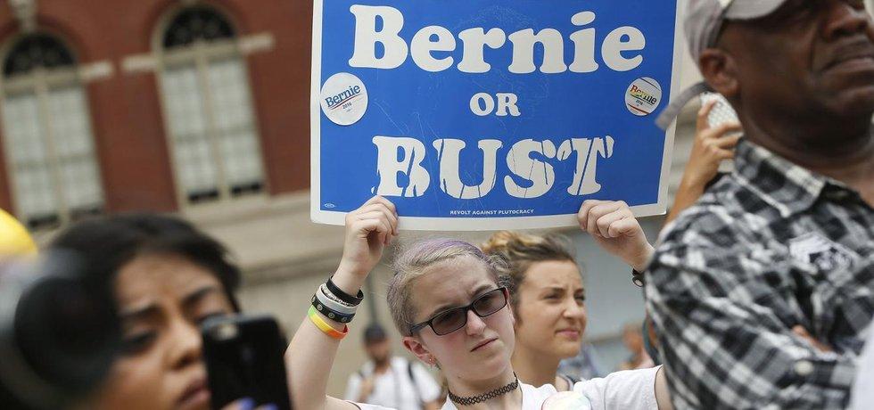 Příznivci prezidentského kandidáta Bernieho Sanderse (Zdroj: čtk)