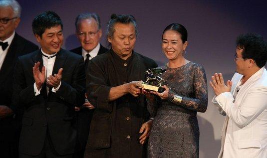 Režisér Kim Ki-duk (uprostřed)