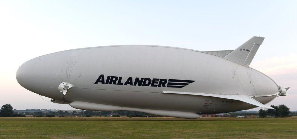 Největší létající stroj světa Airlander 10 (Zdroj: ČTK)