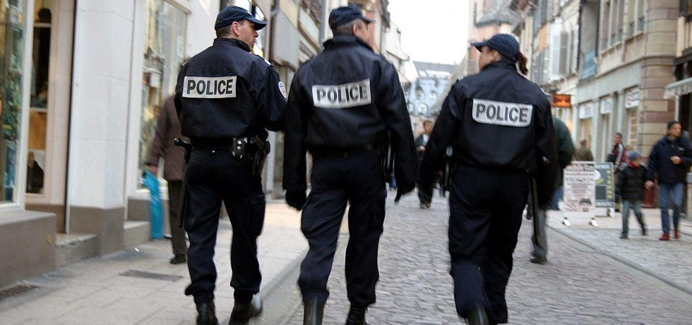 Policie ve Francii - ilustrační foto