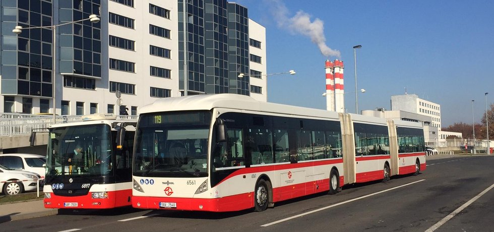 Tříčlánkový autobus Van Hool