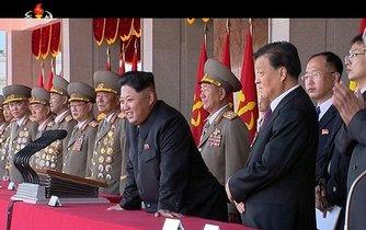 Kim Čong-un během oslav 70. výročí strany