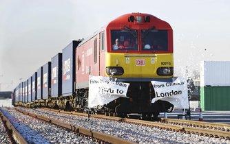 Do Británie dorazil první nákladní vlak z Číny.
