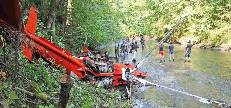 Při loňské havárii vrtulníku Agusta A109 zemřeli čtyři lidé-pilot, záchranář, lékař a člen Horské služby.