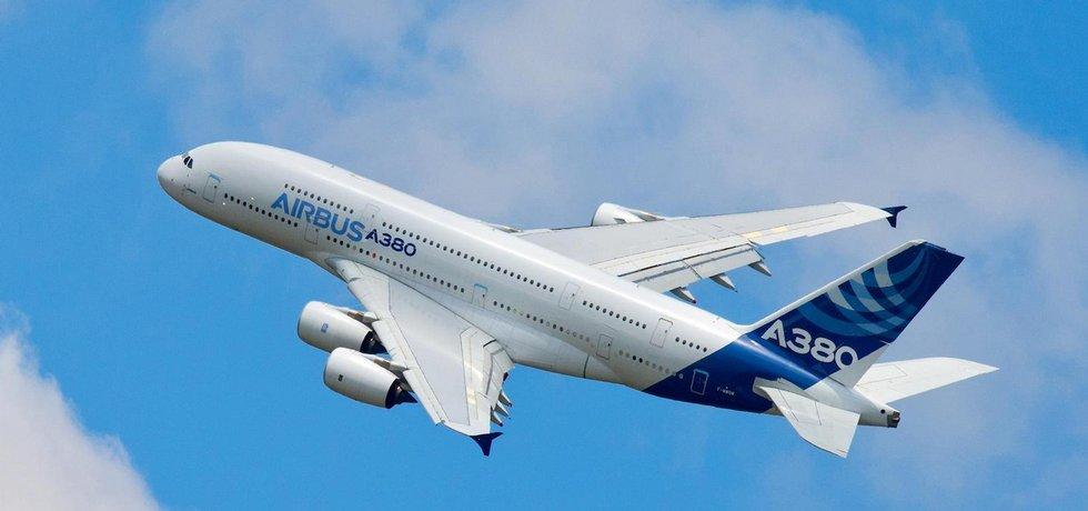 Airbus A380 v oficiálním zbarvení výrobce