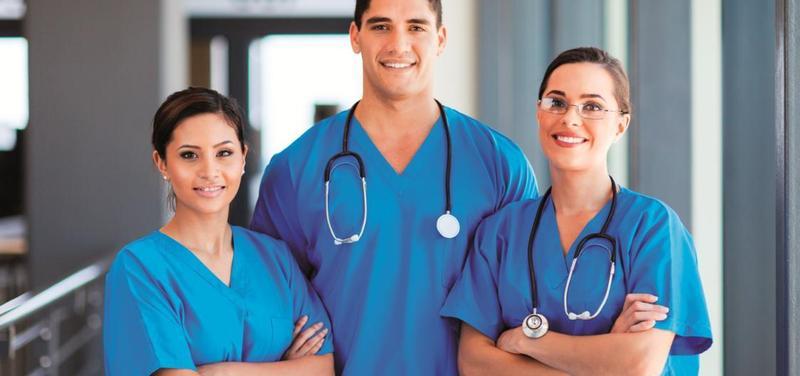 *lékaři, sestry