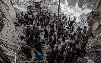 Syrské vládní síly ve spolupráci s Ruskem bombardovaly i Aleppo.