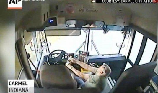 Nehoda autobusu v USA