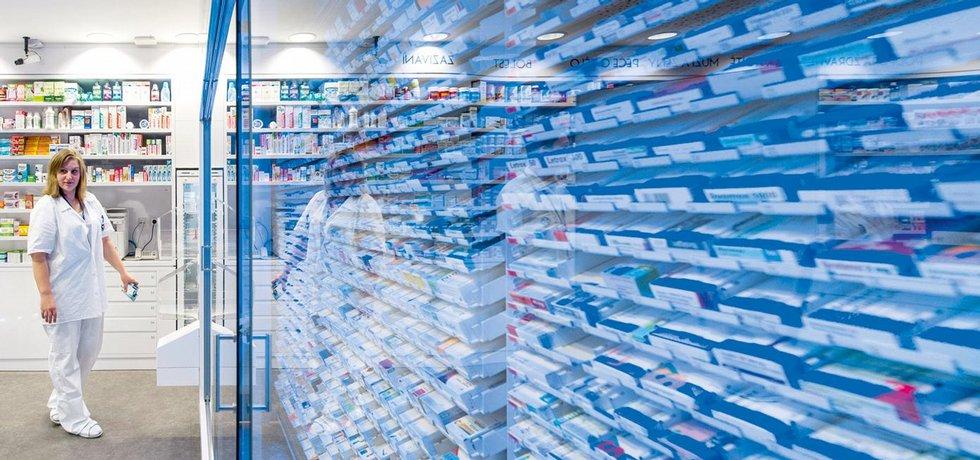 V síti. Až 80 procent veřejných lékáren v Česku je součástí skupiny, mnohdy spojené i s distribuční firmou