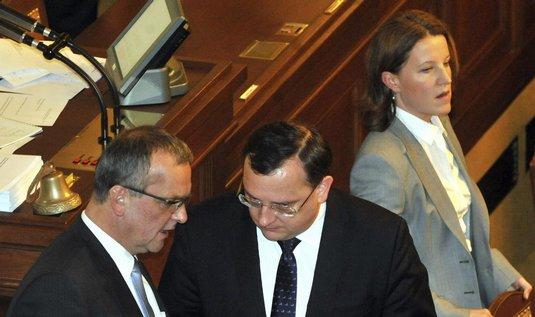 Miroslav Kalousek, Petr Nečas, Karolína Peake