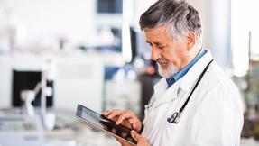 *lékař, praktik, tablet, eHealth