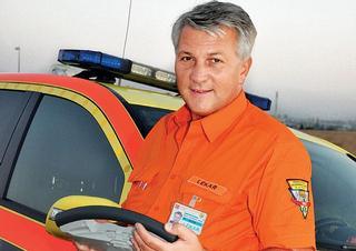 MUDr. Zdeněk Schwarz, ředitel Zdravotnické záchranné služby hlavního města Prahy a senátor Parlamentu ČR