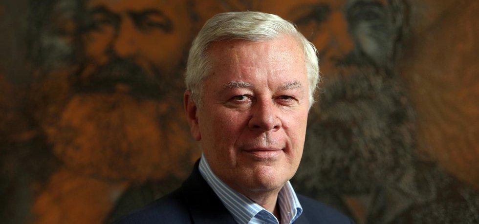 Stará struktura. Propagandista KSČM Josef Skála se hrdě hlásí ke své přezdívce stará struktura.