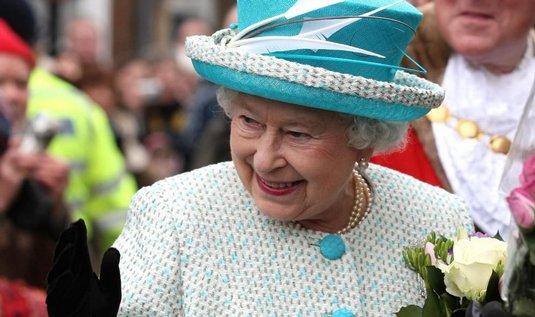 """Britská královna Alžběta II. nastoupila na trůn právě před 60 lety. Jubileum nijak neslavila, ale její úřad dnes zpřístupnil novou webovou stránku věnovanou """"diamantovému výročí""""."""