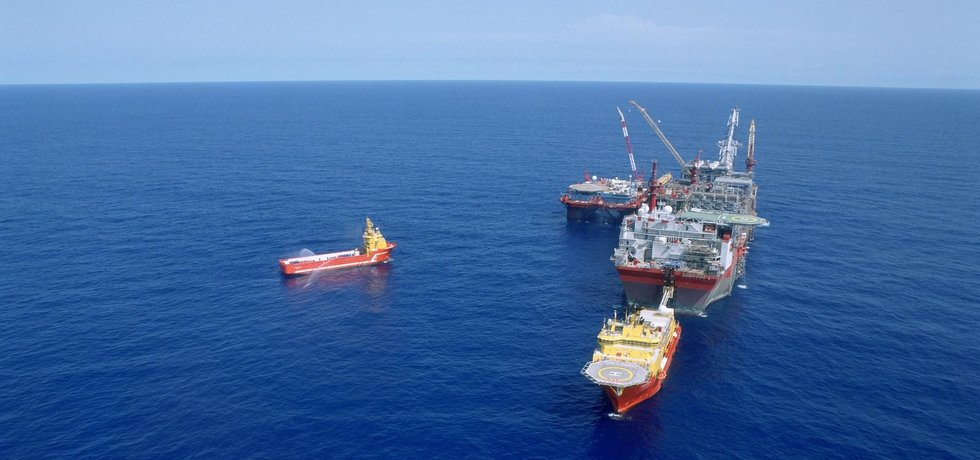 Těžební plavidlo Shellu u pobřeží Nigérie