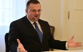 Ředitel hradního protokolu prezidenta Miloše Zemana Jindřich Forejt. V médiích přibývá spekulací o tom, že z nejasných důvodů ve funkci skončil.