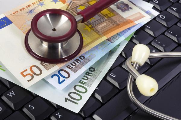stetoskop, peníze, počítač