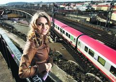 Cesta. Hudební kariéra dovedla zpěvačku Gabrielu Gunčíkovou z rodné východní Moravy do Prahy. Spoustu času teď tráví na cestách.