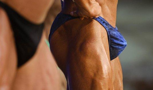 Mimo prsních svalů si muži v Brazílii nechávají rádi vytvarovat i hýždě. (Foto: ČTK)