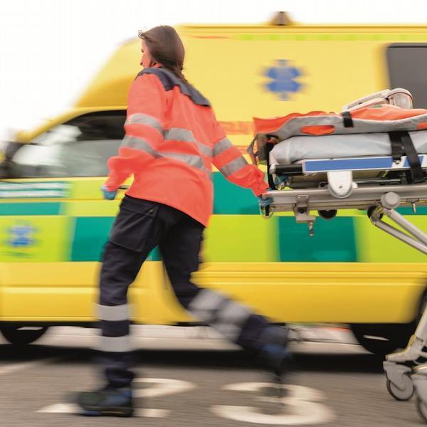 sanitka, záchranná služba, nehoda
